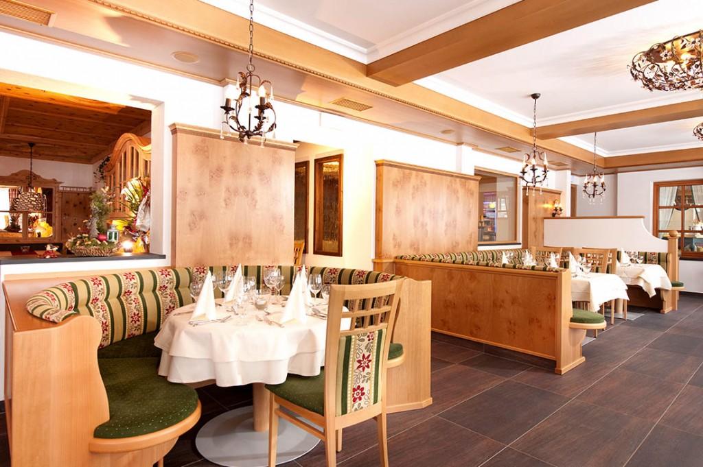 hotel einrichtung vom tischler tischlerei in salzburg. Black Bedroom Furniture Sets. Home Design Ideas